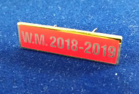 Breast Jewel Middle Date Bar 'WM 2018-2019 - Gilt on Red Enamel