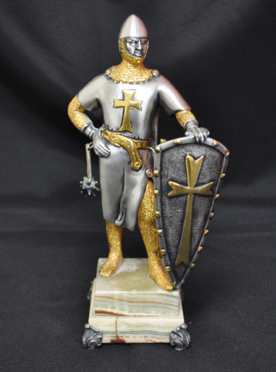 Bronze Medieval Knight (1 of 2)