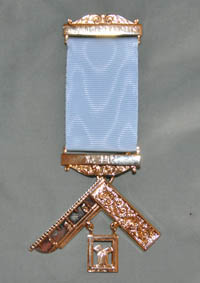Craft Past Masters Breast Jewel - Gilt with Engraved Bars - Click Image to Close