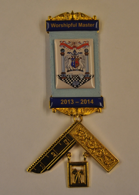 Craft Past Masters Breast Jewel - Gilt with Bespoke Resin Crest