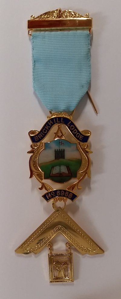 Craft Past Masters Breast Jewel (ii) - Gilt Letters with Bespoke Crest under Ribbon