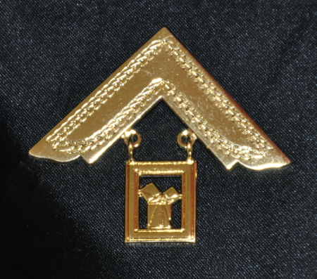 Craft Past Masters Breast Jewel - Square & Proposition [iii] (Gilt)