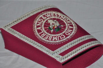 Provincial / District Stewards Gauntlets with Badges [Pair] - Magenta