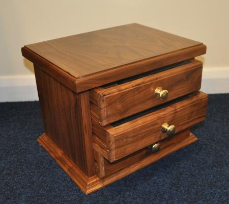Craft provincial district quality regalia aprons for Quality craft tool box