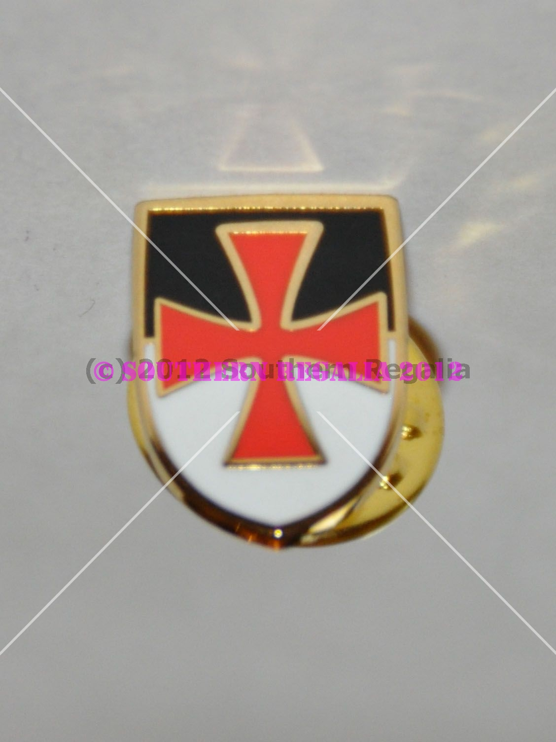 Knights Templar Cross with VB Banner Shield Gold Plated Pin