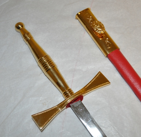 Poignard / Dagger with Red scabbard (Gilt)